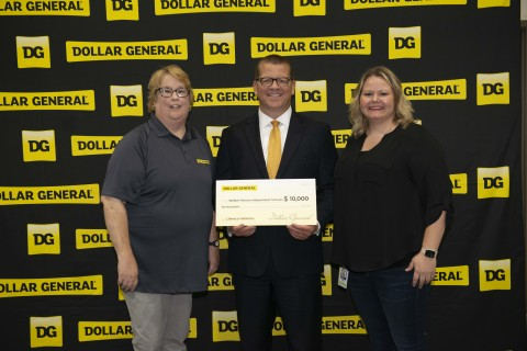 To demonstrate Dollar General's commitment to the Walton community and its mission of Serving Others, the Company presented a $10,000 donation to Walton-Verona Independent Schools to support local literacy and education initiatives. (Photo: Business Wire)