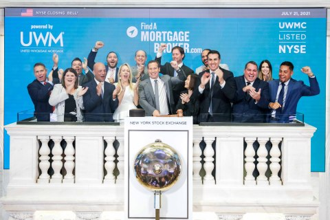 Mat Ishbia rings the NYSE bell alongside mortgage brokers in celebration of National Mortgage Brokers Day (Photo: Business Wire)