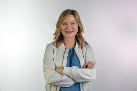 Julie Larson-Green (Photo: Business Wire)