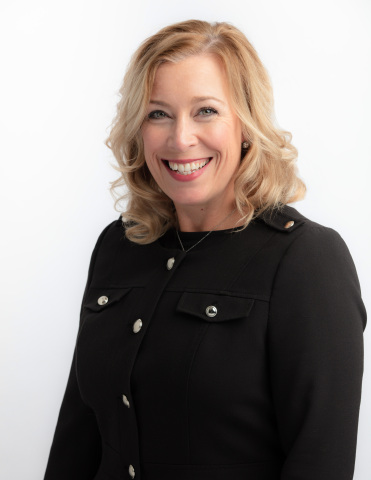 Laura Wallace, Desert Financial Credit Union's new Chief Retail Officer (Photo: Business Wire)