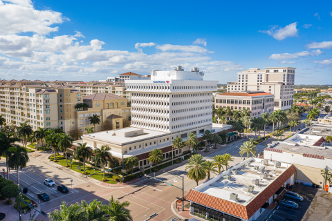 Bank of America Tower in downtown Boca Raton was purchased for $44.6 million by South Florida-based real estate investment management group Grover Corlew. (Photo: Business Wire)