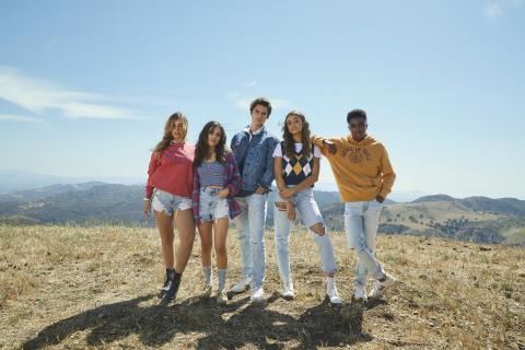 American Eagle BTS '21 'Future Together. Jeans Forever' Campaign featuring Addison Rae, Jenna Ortega, Chase Stokes, Madison Bailey, Caleb McLaughlin Photo Credit: AEO, Inc.