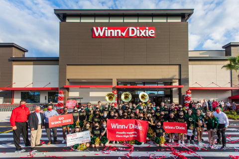 Southeastern Grocers announces the launch of a new community donation program to benefit 424 public schools throughout the Southeast. (Photo: Business Wire)