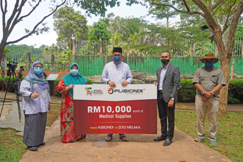 Zoo Melaka Receives Donation of Medical Supplies From Fusionex