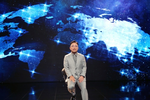 """NCSOFT revealed its new mobile MMORPG 'Lineage W' through a global online showcase titled 'The World'. At the showcase, Taek-Jin Kim, Chief Creative Officer of NCSOFT introduced the game as """"a project that pursues the ultimate Lineage"""". Kim highlighted that """"Lineage W is a compilation of the Lineage IP over the last 24 years. The game emphasizes Lineage's core values: battle, pledge, sacrifice, and honor. Lineage W will expand Lineage's key element 'battle community' globally."""" (Graphic: Business Wire)"""