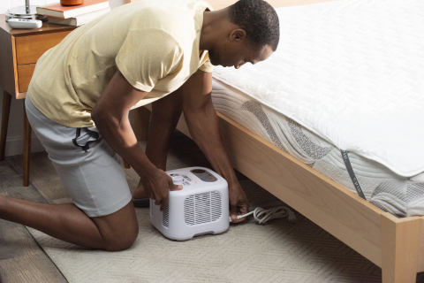 The Cube system includes a reversible, hydro-powered Cool Mesh™ mattress pad, control unit, and a remote. This will allow FSU football players to find their ideal temperature to encourage the restorative sleep that comes from sleeping at a colder temperature. (Photo: Business Wire)