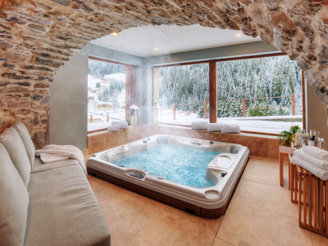Jacuzzi® Hot Tubs (Photo: Business Wire)