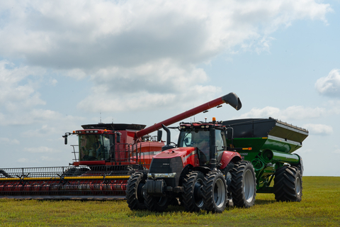 OMNiDRIVE™ by Raven is the first Driverless Ag Technology for grain cart harvest operations. (Photo: Business Wire)