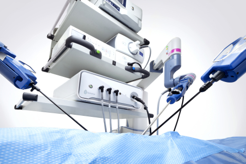 The Senhance Surgical System pictured with the latest ISU model that includes expanded augmented intelligence features such as 3D measurement and enhanced camera control. (Graphic: Business Wire)