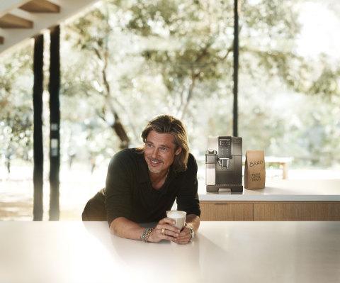 De'Longhi lance sa première campagne publicitaire internationale mettant en vedette son nouvel ambassadeur Brad Pitt. (Photo: Business Wire)