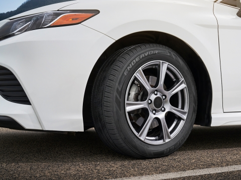 The new Cooper Endeavor for cars offer a mix of wet performance, strong handling, and a long tread life for peace of mind in a variety of on-road conditions. (Photo: Business Wire)