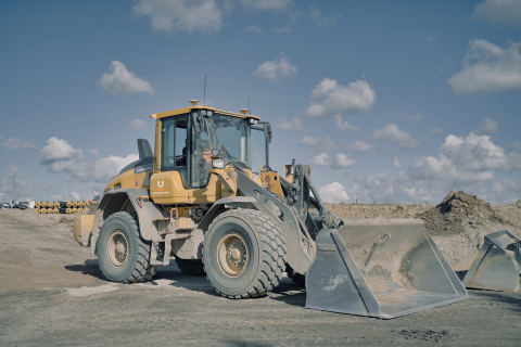 The machine industry wants even more 3D control, so Unicontrol now has a solution for wheel loaders (Photo: Business Wire)