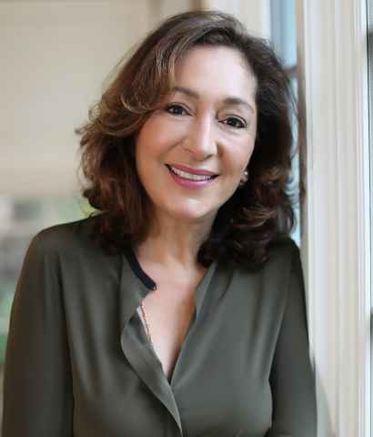 HealthEZ's visionary founder Nazie Eftekhari will become Executive Chairwoman for the 100-employee-strong business. Eftekhari launched HealthEZ in 1999. In her new role as Executive Chairwoman, Eftekhari will focus on building strategic partnerships across the healthcare and health insurance landscapes. (Photo: Business Wire)