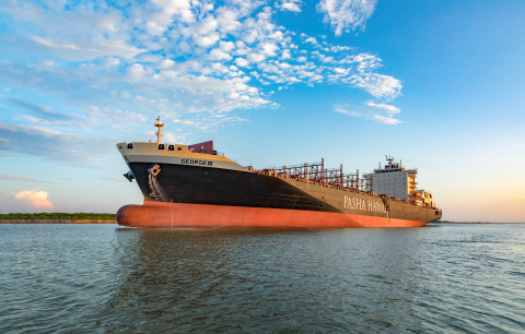 Clean Energy provides liquefied natural gas (LNG) to fuel Pasha ships in first maritime LNG bunkering on US West Coast. (Photo: Business Wire)