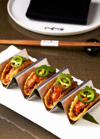 Impossible™ Signature AB Tacos by Akira Back (Photo: Business Wire)