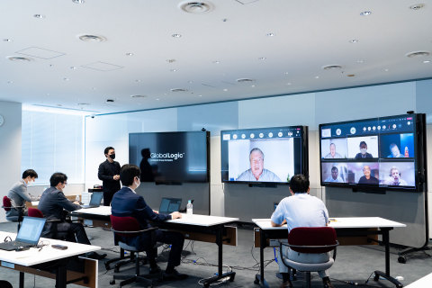 """A workshop connecting """"Lumada Innovation Hub Tokyo"""" and GlobalLogic's Design and Engineering Centers. (Photo: Business Wire)"""