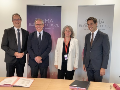 Official signing of the partnership between SKEMA and EADA on 20 September 2021 from SKEMA Business School's Grand Paris Campus. From left to right: Patrice Houdayer, Director of Programmes, International and Student Life, Koke Pursals, Chairman of the Board of Directors of the EADA Foundation, Alice Guilhon, SKEMA's Dean & Executive President, and Jordi Diaz, EADA's Dean. (Photo: Business Wire)