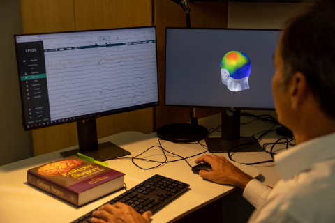 Epios Cloud is a web-based application for online storage, processing and review of neural signals, including ultra-long-term data. (Photo: Wyss Center)