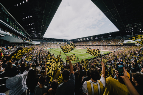 With the vision to create a next-generation seamless fan journey from ticket purchase to the parking lot and through the stadium gates, the Columbus Crew deployed a combination of Aruba's wired and wireless solutions that support the stadium's technology-enabled amenities, including pervasive Wi-Fi connectivity, opt-in facial recognition ticketing, Evolv Express security screening, and mobile ordering and cashless payment throughout the venue. (Photo: Business Wire)