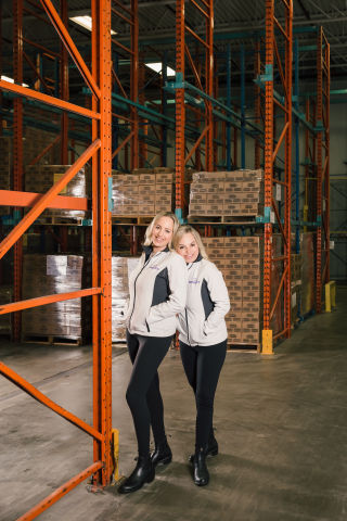 Big Mountain Foods' founders, Jasmine Byrne and Kimberly Chamberland (Photo: Business Wire)
