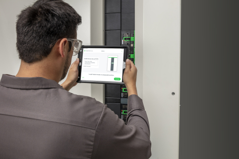 UL and Schneider Electric collaborated to create the Extended Manufacturing Assembly Process to enhance the assembly experience with digital integrations that offer efficiency, accuracy, and time savings – featuring Schneider Electric's new FlexSeT switchboard – the first offering to utilize UL's EMAP process. (Photo: Business Wire)