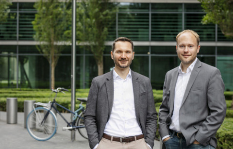 Marco Hinz (Chief Operating Officer) and Oliver Schimek (Chief Executive Officer & Founder), CrossLend GmbH (Photo: Business Wire)